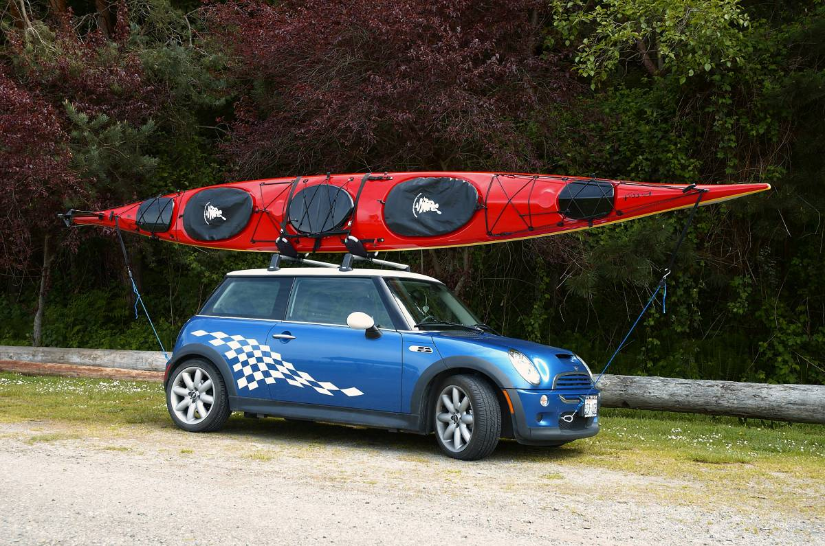 moving a kayak on top of a car