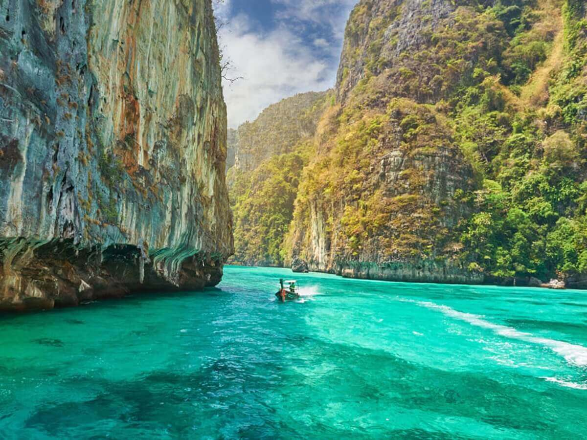 kayaking in Phi Phi, Thailand